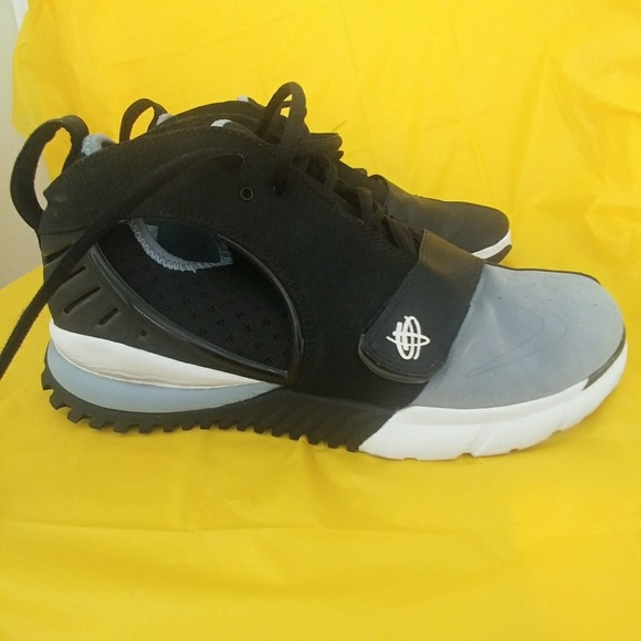 brand new 6f301 584d4 Nike Air Huarache ht2k6 Basketball Shoes